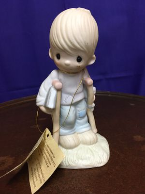 """Precious moments collectible figurine """" He watches over us all"""" for Sale in San Antonio, TX"""