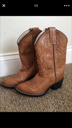Toddler cow boy/girl boots 6/7 for Sale in Lehigh Acres, FL