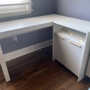 White L-shaped Desk for Sale in Washington, DC