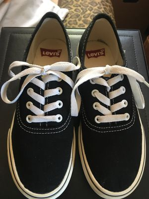 Levi 's Rylee 3 Buck Black size 5 for Sale in Houston, TX