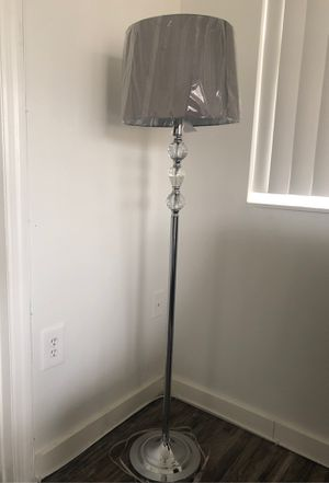Floor lamp for Sale in Pembroke Pines, FL