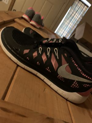 Nike shoes size 6y for Sale in Glendale, AZ