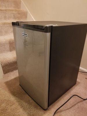 Mini fridge for Sale in Fairfax, VA