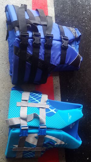 2 excellent condition adult life jackets both for $75 for Sale in Morton Grove, IL