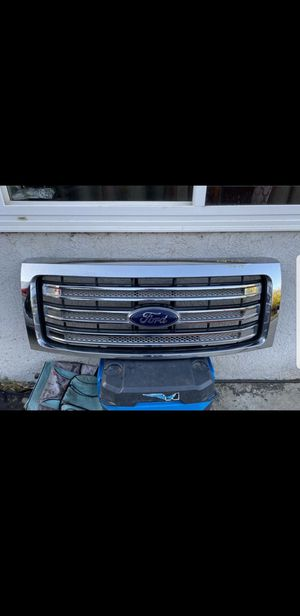 Ford F-150 2009-2014 grill for Sale in Garden Grove, CA