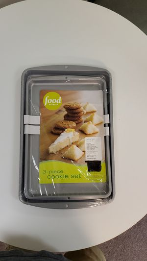 ( 3 ) NON- STICK COOKIE BACKING PANS, with ( 1 ) BAKERS SECRET NON- STICK COOLING RACK. for Sale in Wood Dale, IL