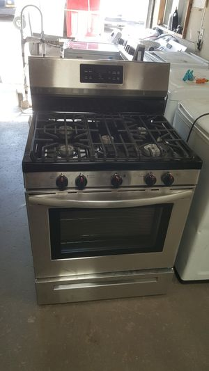 New Frigidaire gas range for Sale in Lewisville, TX