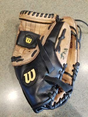 """13"""" Wilson baseball softball glove broken in for Sale in Norwalk, CA"""