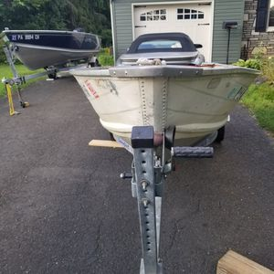Basstracker 12' aluminum boat for Sale in Warminster, PA