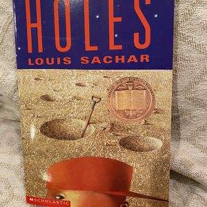 Holes by Louis Sachar c1998 Reprint 9780439244190 for Sale in Phoenix, AZ