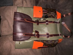 """Louis Vuitton supreme backpack with LV key chain """"rare"""" for Sale in Las Vegas, NV"""
