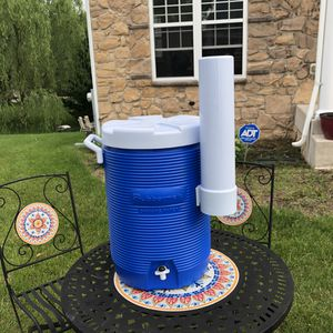 Cool cooler with cup holder for Sale in Laurel, MD
