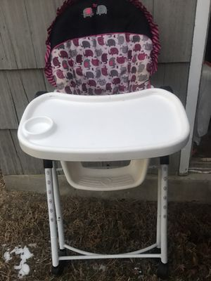 High chair, play pin, car seat and stroller for Sale in Yakima, WA