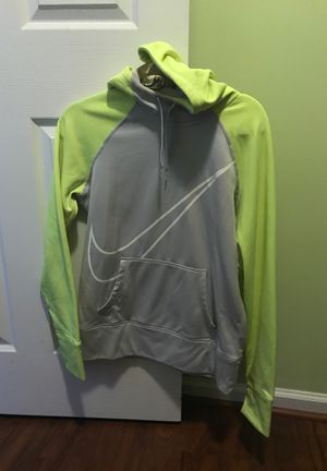Nike hoodie size medium for Sale in Warminster, PA