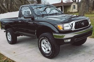 4X4 Toyota TACOMA 2001 / Great TRUCK with no issues for Sale in Huber, GA