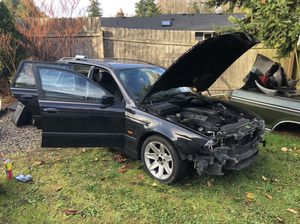 E39 Wagon Parts Car BLACK (Engine&Transmission Good) for Sale in Seattle, WA