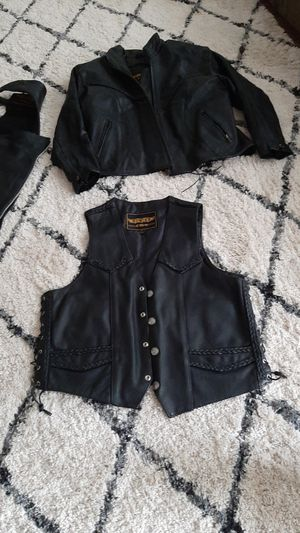 Leather vest womens size xL for Sale in Wood Village, OR