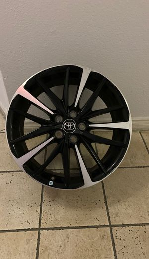 2018 Toyota Camry XSE Original Rims for Sale in Los Angeles, CA