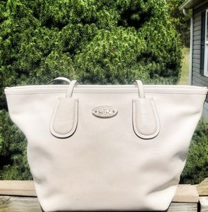Authentic Coach Handbag for Sale in Vinton, VA