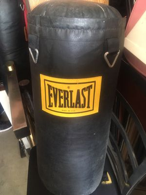 EverLast punching bags for Sale in NEW CARROLLTN, MD