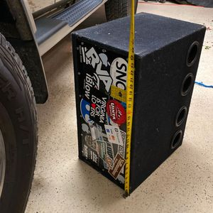 "10"" subs with amp in box for Sale in Gainesville, VA"