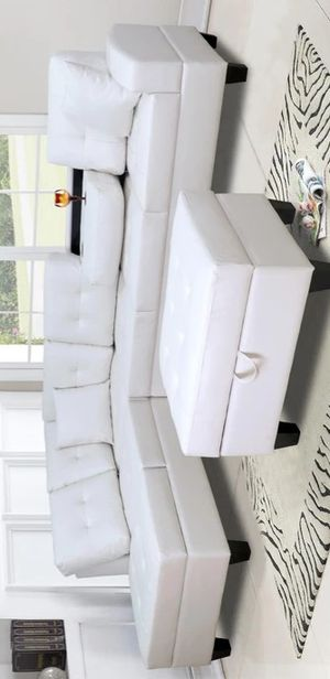 🔔FREE OTTOMAN 🔔Pablo White Sectional for Sale in Brooklyn Park, MD