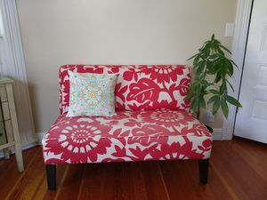 Red Floral Sofa Seat for Sale in Salt Lake City, UT