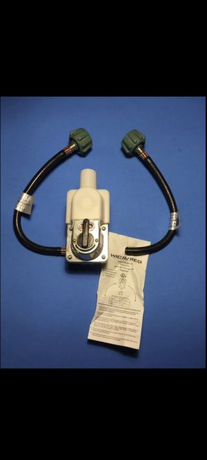 RV WINNTEC LP GAS REGULATOR MODEL 6020 AUTOMATIC CHANGEOVER 2 HOSES for Sale in Moreno Valley, CA