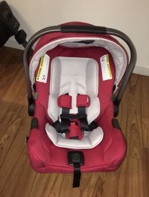 Nuna Pipa Infant Car Seat and Base - Like New for Sale in Framingham, MA