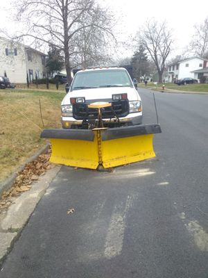 FORD TRUCK F550 1999 FLATBED CON PALA DE NIEVE. EN BUENAS CONDICIONES.NEGOCIABLE for Sale in Sterling, VA