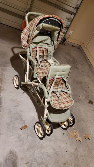 Brand name Graco double stroller for Sale in Fort Worth, TX