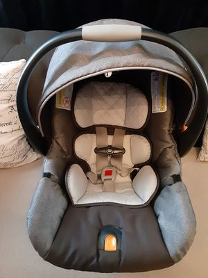 Chicco car seat for Sale in Chicago, IL