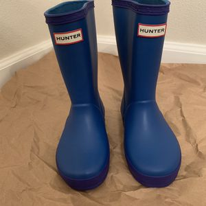 Hunter First Classic Waterproof Rain boot (toddler) for Sale in Seattle, WA