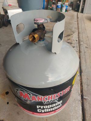 Propane tank has some gas in it for Sale in Orlando, FL