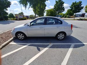 2010 Hyundai accent for Sale in Duluth, GA