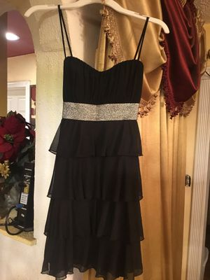 New prom dress color black and silver metallic beautiful style brand SWEET STORM Size M for Sale in San Diego, CA