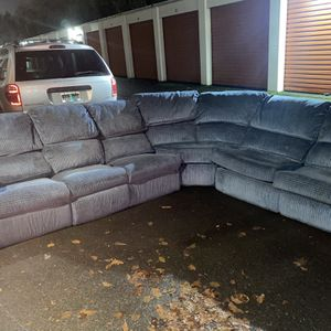 Sectional Couch FREE DELIVERY for Sale in Gresham, OR
