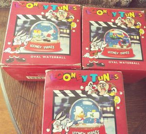 Lot of three Looney Toons Collectable Snoglobes for Sale in Sanger, CA