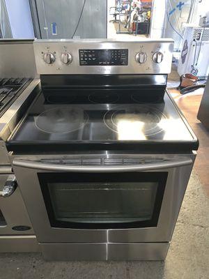 Electric stove Samsung good condition 90 days warranty estufa eléctrica Samsung buenas condiciones 90 días de garantía for Sale in San Leandro, CA