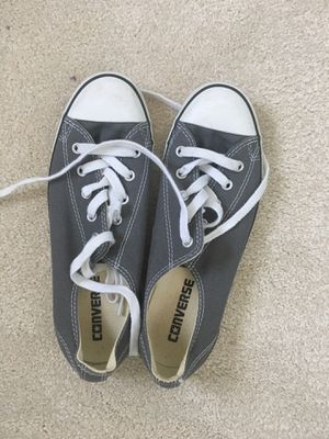 Size 7 women's converse shoes for Sale in Gaithersburg, MD