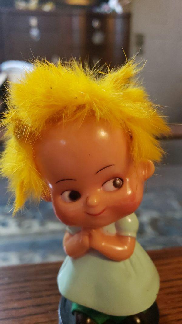 Vintage hard plastic w crazy hair girl