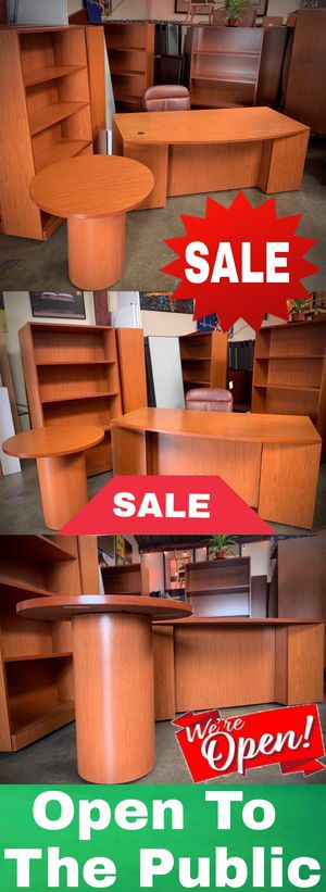 Office Furniture Bundle for Sale in Hawaiian Gardens, CA