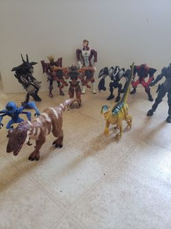 Action Figure Collectable Lot-10 Mixed. for Sale in Adelphi,  MD