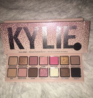 Kylie pressed powder Pallet✨ brand new in box 100⚡️ authentic ✨ for Sale in Phoenix, AZ