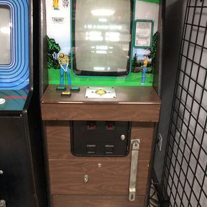 Arcade Machine Taito Big Event Golf for Sale in East Northport, NY