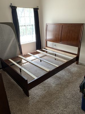 Queen Size sleigh bed frame with matching dresser and mirror for Sale in Cedar Park, TX