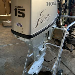 Honda 15HP Four Stroke Charges Battery's for Sale in San Jose, CA