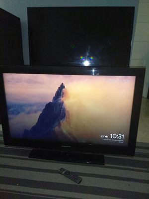 Samsung TV 32' with control for Sale in Los Angeles, CA