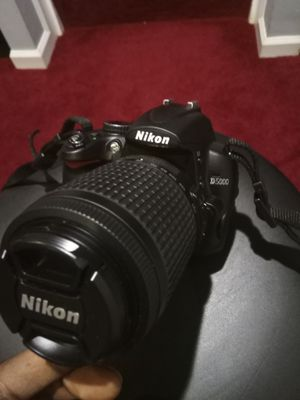 Nikon D5000 12.3 MP Digital SLR Camera - Black for Sale in Germantown, MD