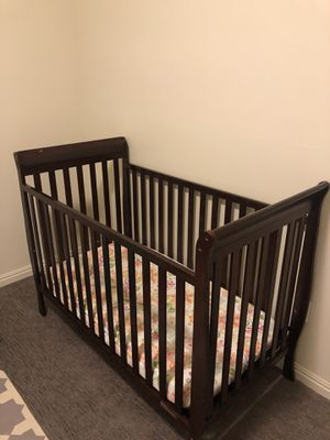 Baby's crib for Sale in Sandy, UT